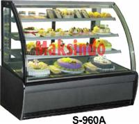 mesin-cake-showcase-pemajang-kue maksindoyogya 3